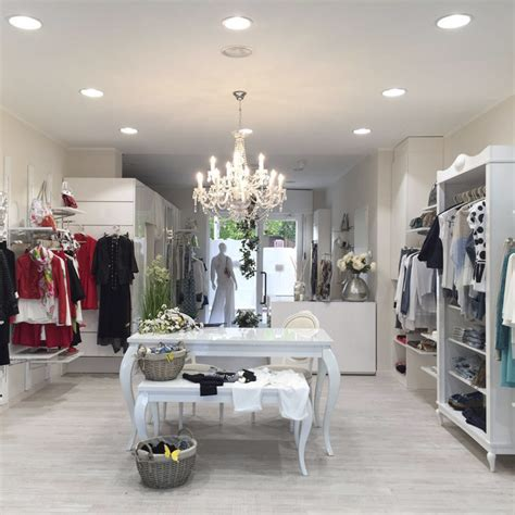 arredamenti per negozi di abbigliamento allestimento negozio di abbigliamento hb98 187 regardsdefemmes