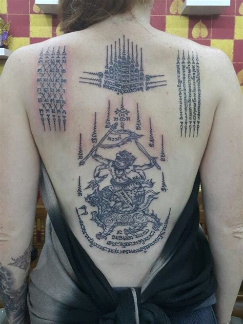sak yant tattoo in bali muay thai tattoo symbols and meanings tatouages id 233 es
