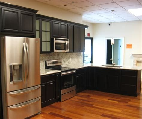 Kz Kitchen Cabinet by Black Chocolate Maple Cabinets With White