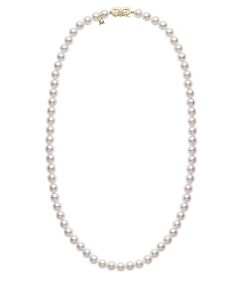 5 Pearl Pieces Every Should Own by 9 Timeless Jewelry Pieces Every Should Own
