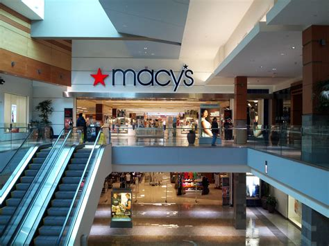 Macy S Home Store Hours by Macy S Will Open For The Time On Thanksgiving
