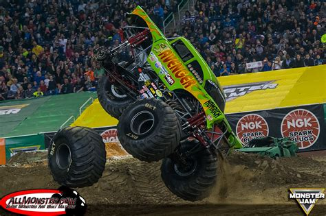 monster truck jam detroit adam anderson clinches monster jam fs1 chionship series