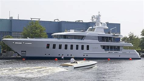motor yacht space the 44 65m feadship motor yacht space charterworld