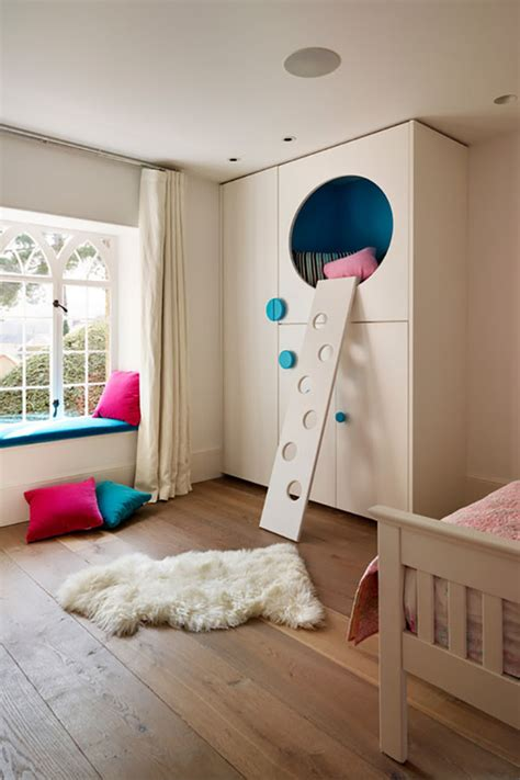 16 Cool Loft Beds That Will Amaze You Cool Bedrooms With Bunk Beds