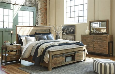 ashley signature sommerford  panel bed
