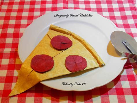 Origami Pizza - delicious looking origami food that you can almost taste