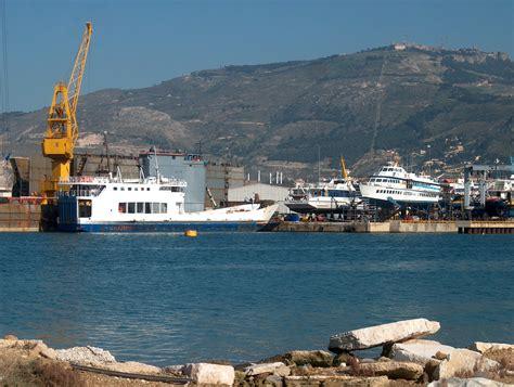 porto di trapani porto di trapani 3 nel frattempo il cantiere navale cade