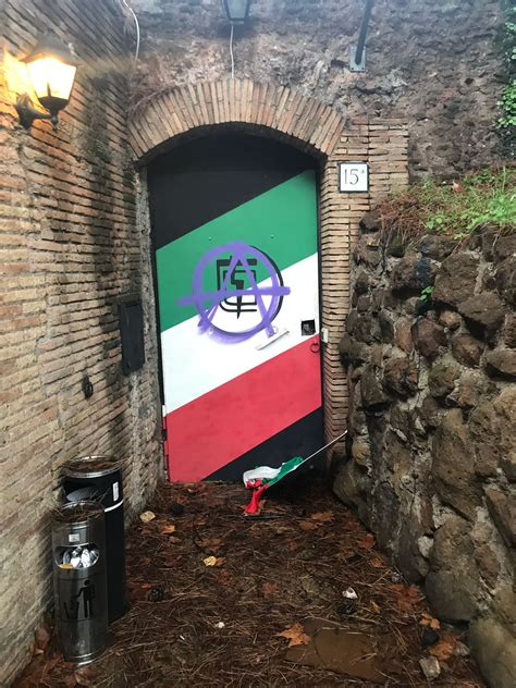 sedi d italia roma atti di vandalismo degli antagonisti alle sedi di fratelli