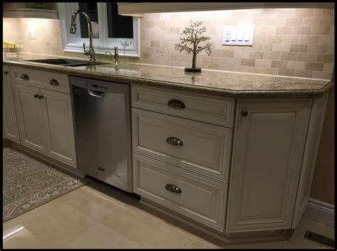 mississauga kitchen cabinets mississauga kitchen cabinets from old to awesome paint