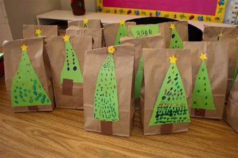 christmas ideas for kindergarten 10 easy diy wrapping paper ideas parentmap