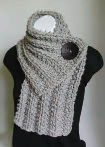 life designed knitted scarves