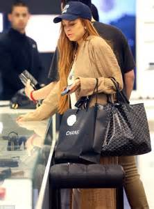 Lindsay Lohan Goes Shopping For Chanel Bags by Lindsay Lohan Indulges In Chanel And Cigarettes One Day