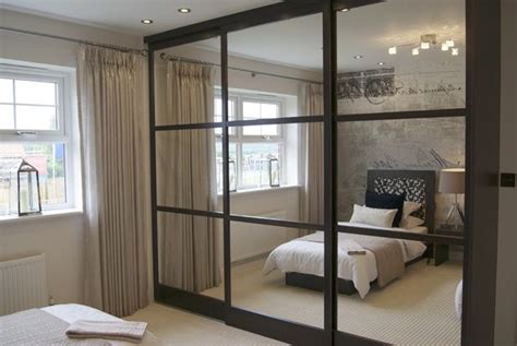 Sliding Wardrobe Closet by Best 25 Mirrored Bifold Closet Doors Ideas On
