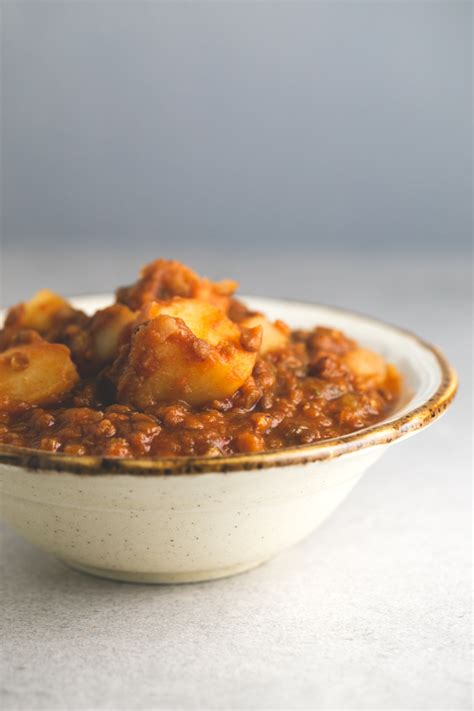 spanish comfort food fat free spanish lentil stew simple vegan blog