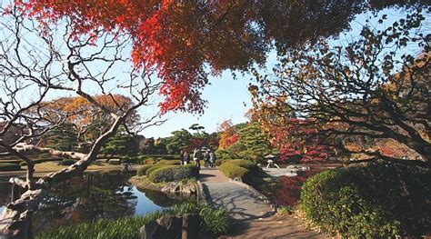 Imperial Garden East by Imperial Palace East Gardens K蜊kyo Higashi Gyoen Tokyo