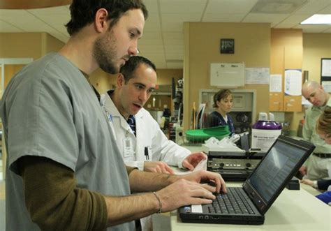 st peters emergency room scribes are finding their place in emergency rooms metro stltoday