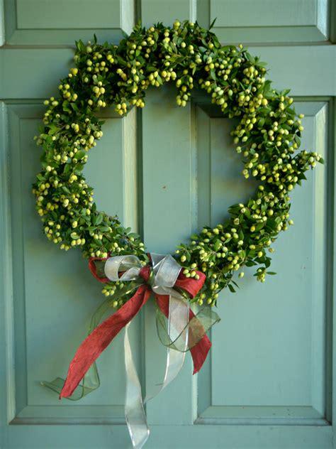 diy christmas wreath  sits girls