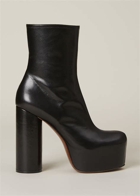 vetements black platform ankle boot in black lyst