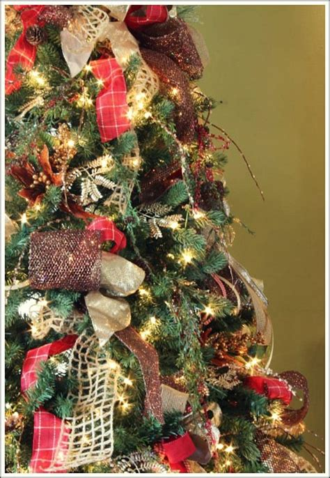hometalk how to decorate a christmas tree with only