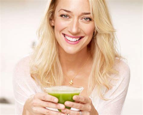 Kris Carr Detox by Kris Carr S Go To Green Juice Tool Kit