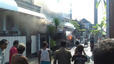 Setrika Di Batam lupa cabut setrika api melalap rumah sri maryati