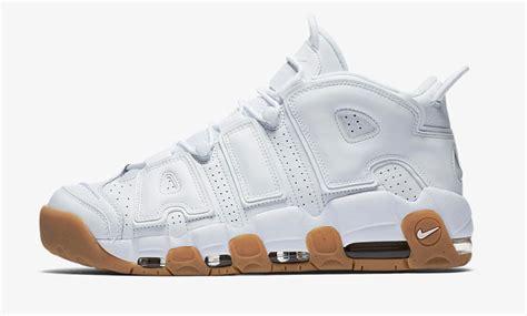 Sepatu Basket Air More Uptempo Bulls Black White nike air uptempo