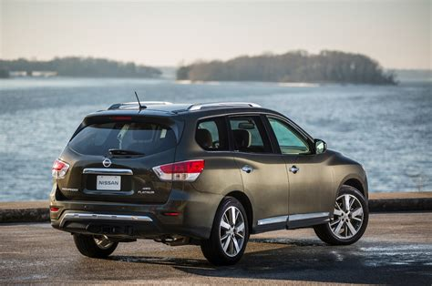 2016 nissan pathfinder priced 2016 nissan pathfinder starts at 30 680