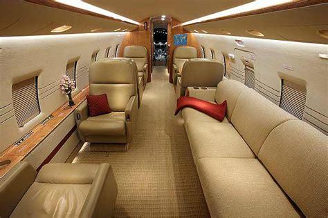 challenger    jet charter rent