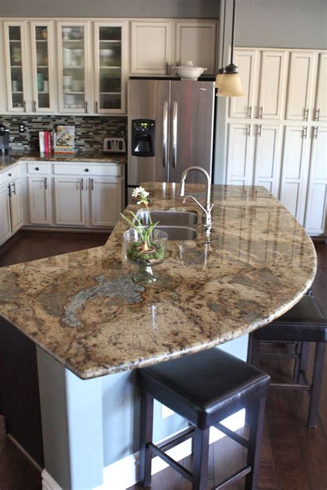kitchen granite island 25 best ideas about cream cabinets on pinterest cream