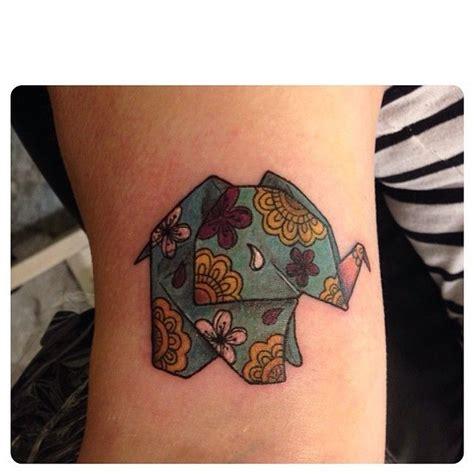 tattoo shop in elephant and castle best 25 origami tattoo ideas on pinterest geometric