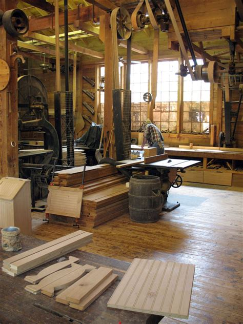 amateur  pro woodworker whats  niche