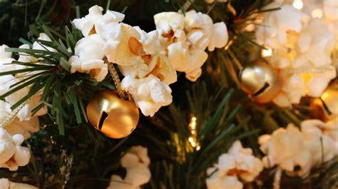 popcorn garland  fun  holiday decor
