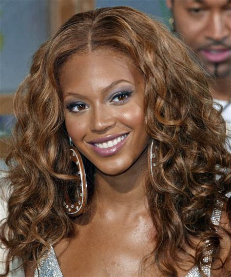 beyonces video hairstyles how to get beyonces hair beyonce knowles long curly casual hairstyle medium brunette