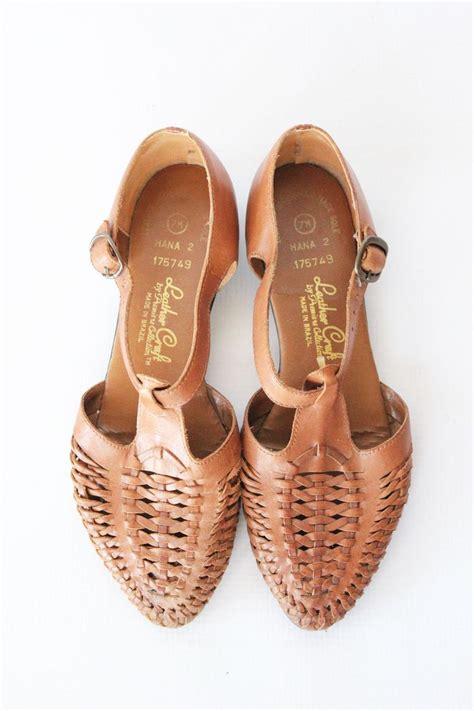 A C C E P T Merilee Flat Shoes vintage brown t huarache shoes paisley