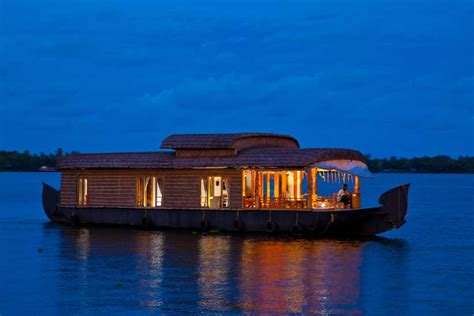 honeymoon packages kerala boat house abad luxury houseboats alleppey houseboats kerala houseboats