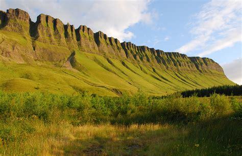benbulbin mountain  ireland thousand wonders