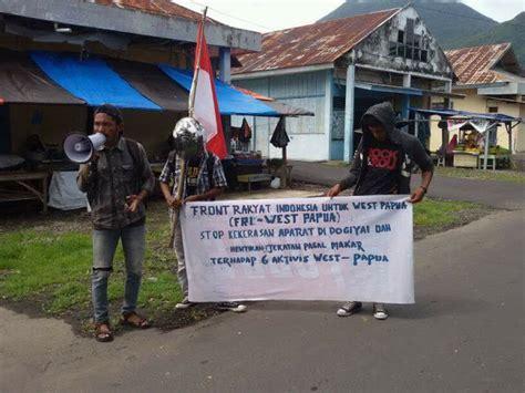 Buku Papua Menggugat Teori Politik Otonomisasi Nkri Di Papua Barat aksi fri west papua di tidore maluku utara