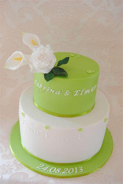 Hochzeitstorte Creme by Green Wedding Cake With Sugar Roses Hochzeitstorte