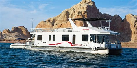 pontoon boat rentals lake powell utah luxury houseboat rentals at lake powell resorts marinas