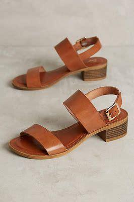 Sale Sepatu Wedges Nfz 25 best 25 low heel sandals ideas on low heels