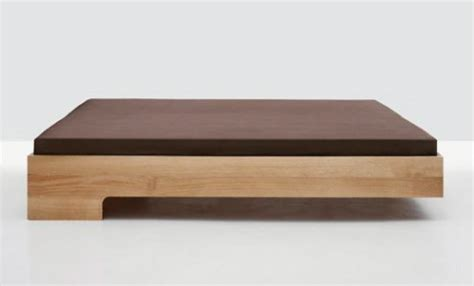 Bettrahmen 120x200 by Clean And Modern The Snooze Platform Bed By Formstelle