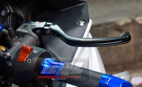 Kaliper Brembo 4 Piston Hitam bluspit moto modifikasi yamaha r25 sporty ala layz
