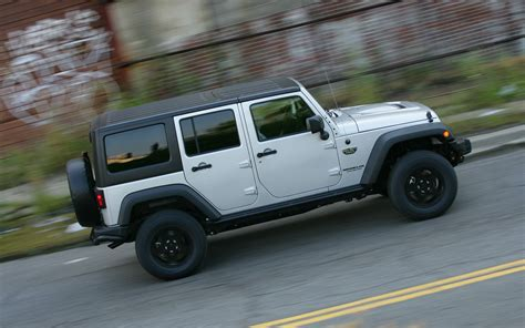 call of duty jeep modern warfare jeep launches another call of duty edition wrangler for 2012