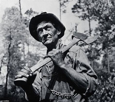Black And White Photos Show The Tough Lives Of Lumberjacks