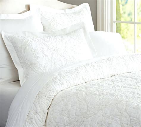 black quilted coverlet white quilts queen boltonphoenixtheatre com