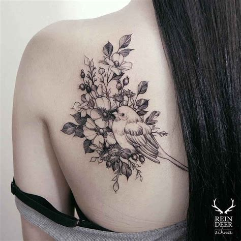 small tattoo on shoulder blade 25 best ideas about shoulder blade tattoos on