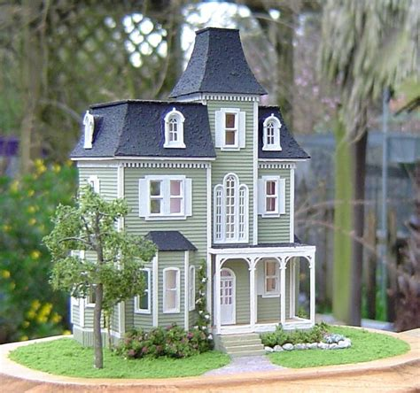 doll houses com 17 best images about doll houses and tiny treasures on pinterest needlepoint