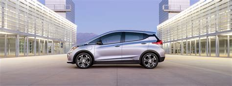 electric cars 2017 2017 chevrolet bolt ev electric vehicle chevrolet canada