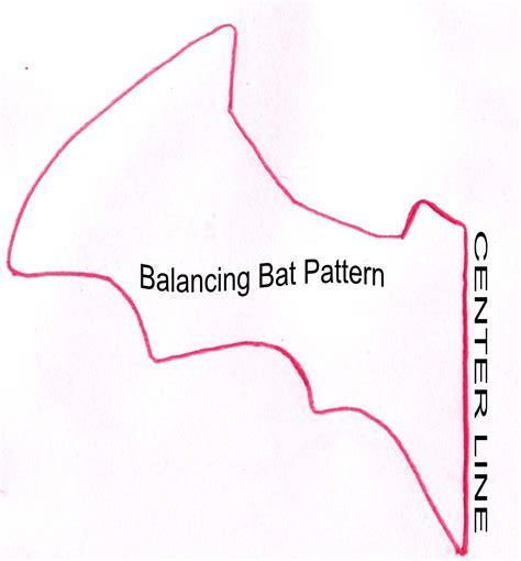 bat pattern youtube aqui estao os moldes de ratos e morcegos para