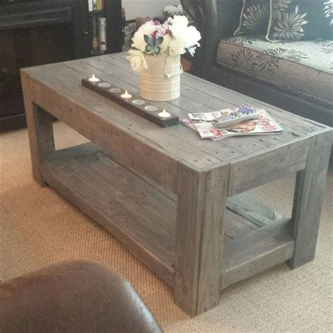 How To Make A Coffee Table From Pallets Diy Wood Pallet Coffee Table